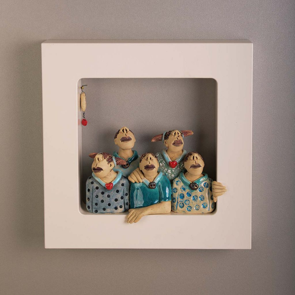Out of the Box-Wall-Piece – One Happy Family (30x30cm)